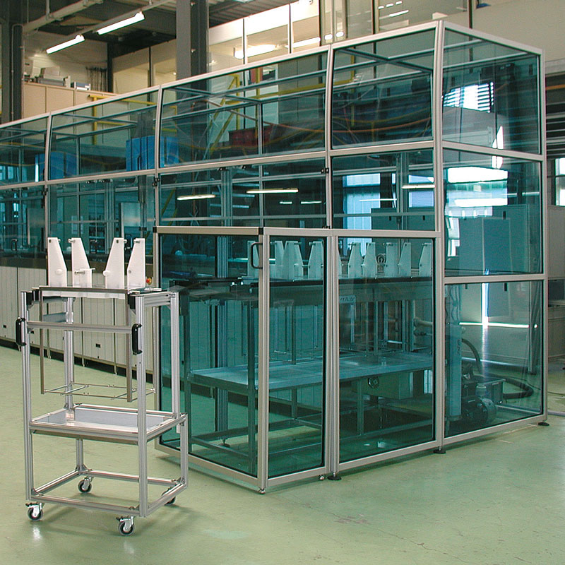 Enclosure for packaging machine in pharmaceuticals sector