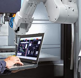 COBOT connection or industrial robots – RK-AHT is your partner for robotics